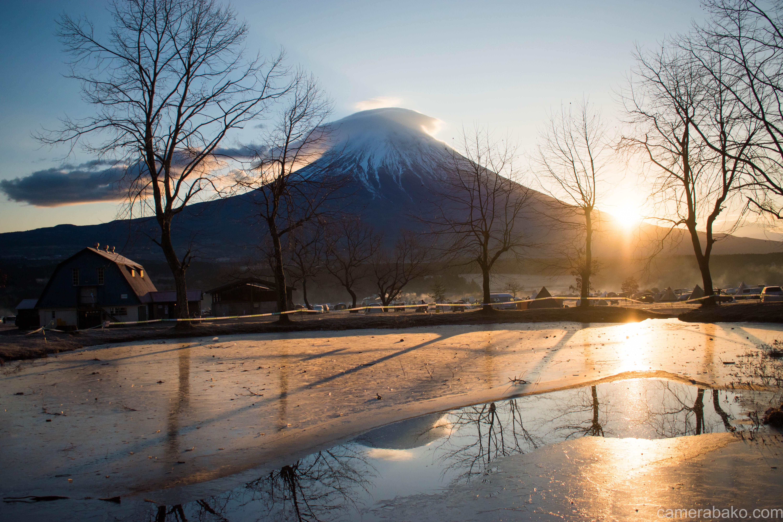 凍ったの逆さ富士スポット